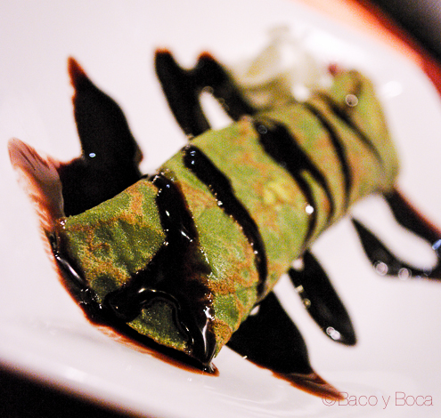 Crepe de te verde con platano y chocolate en Bun Sichi restaurante japones barcelona pasaporte time out