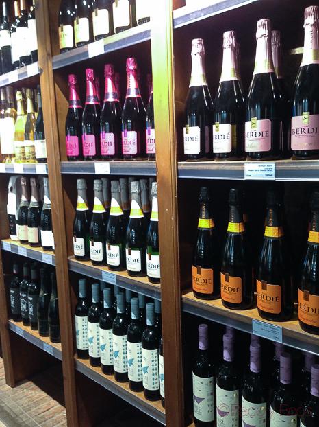estanteria vinoteca Jovani&vins bacoyboca