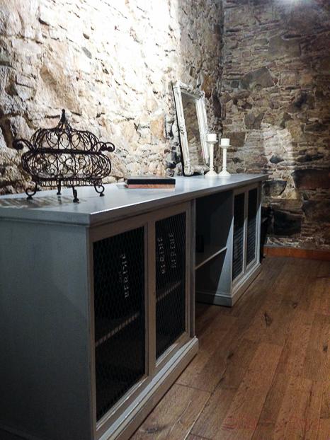 interior bodega vinoteca Jovani&vins bacoyboca