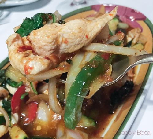 KAPROAW KAI en thai garden baco y boca