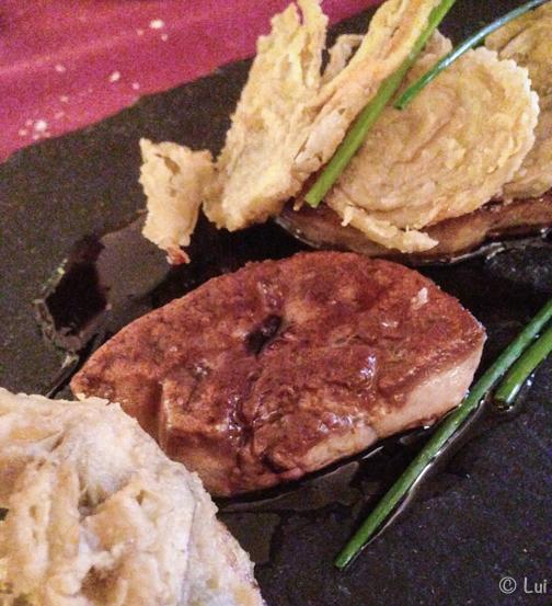 foie a la plancha con chip de alcachofas y Pedro Ximenez detalle