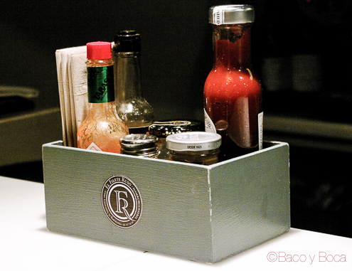 Cajon salsas de El filete Ruso Restaurante Barcelona