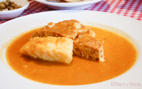 Tortilla con salsa Hostal Sport