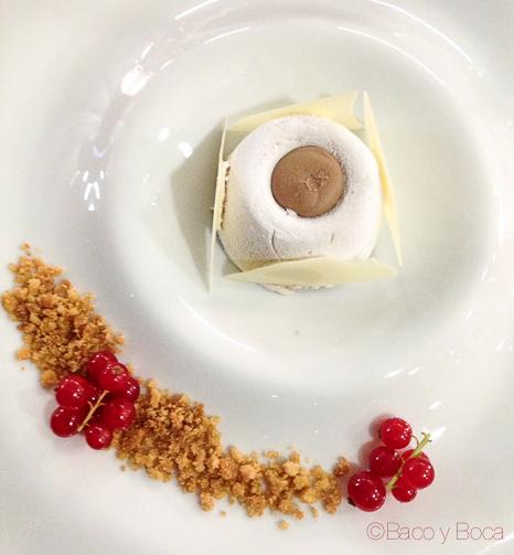 Mousse de castañas con su terciopelo de chocolate Barcelo Sants baco y boca