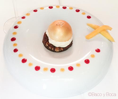 hamburguesa dulce con sus fritas Rota Das Estrelas nectari baco y boca